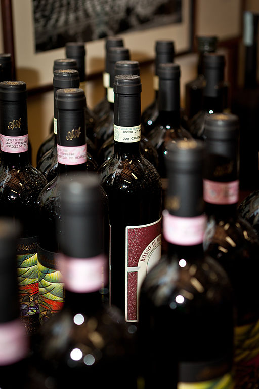 Wine touring in Melnik<