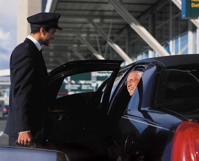 Go with a good Boston airport car service for a comfortable experience