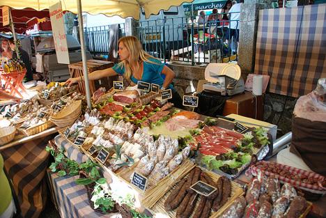 Cotignac market day