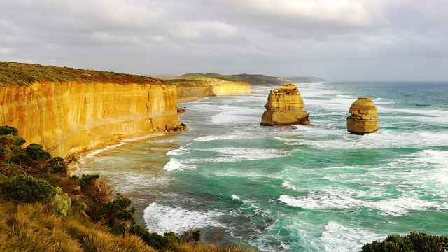 4 Reasons Why You Must Go Visit Australia