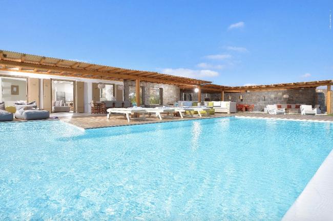 Discover the hidden treasures of Mykonos luxury living