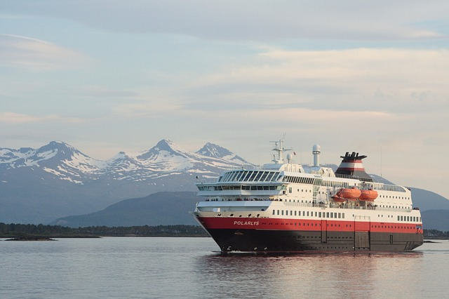See the northern lights on a Hurtigruten cruise in Norway