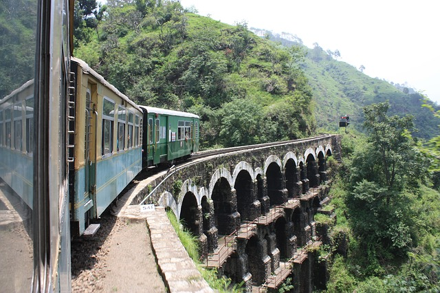 5 Great Train Trips In India