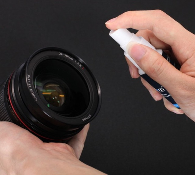 Lens cleaning solution