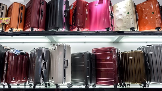 A Guide to Choosing Your Carry-On Luggage