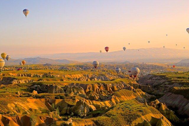 4 Romantic Getaway Ideas to Break the COVID Blues