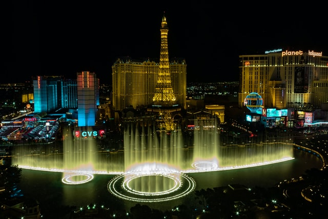 How to travel to Las Vegas and spend quality time