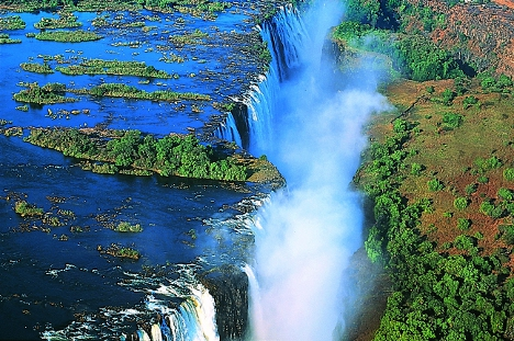 Victoria Falls, the smoke that thunders