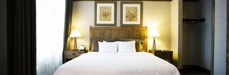 The Silversmith Hotel & Suites Bed