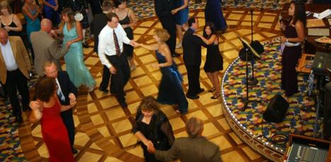 cruise-dancing