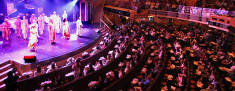 cruise-theatre